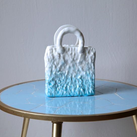 Olivia Berckemeyer, My Blue Bag (aus der Serie Homebag)
